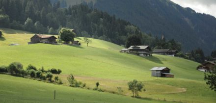 Private jet hire and helicopter in Gstaad