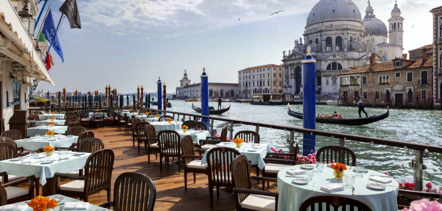 Private jet hire in Venice