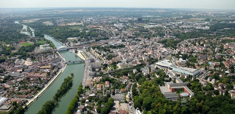 Private jet hire in Pontoise