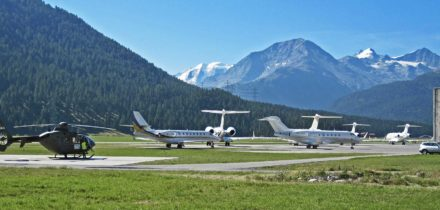 Private jet hire or helicopter in Paris St Moritz