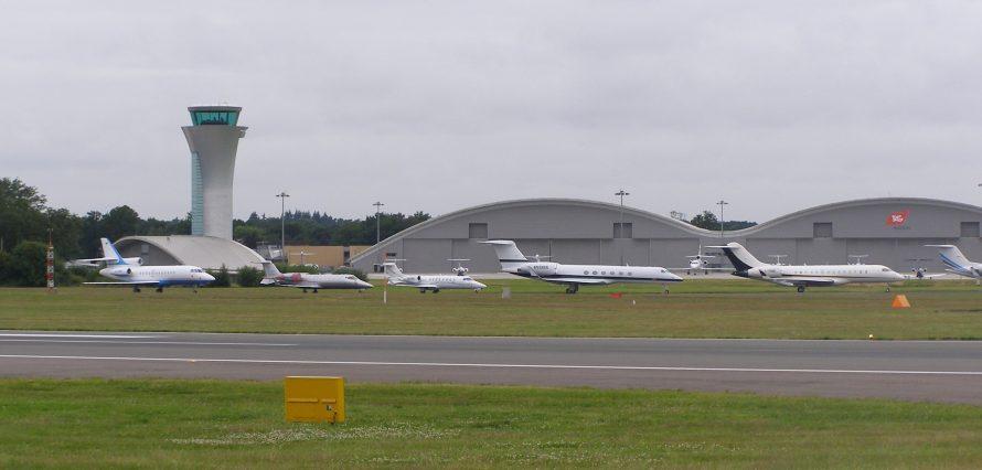 Private jet hire in Farnborough London Airport