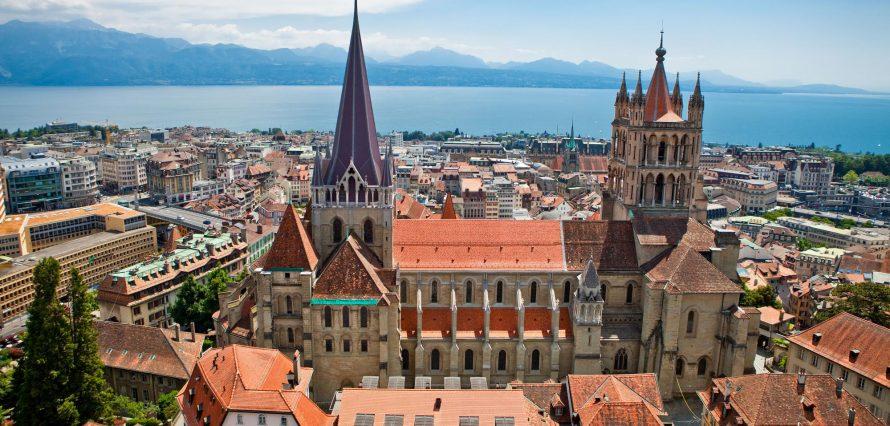 Private jet hire in Paris Lausanne