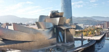 Private jet hire and helicopter from and to Bilbao