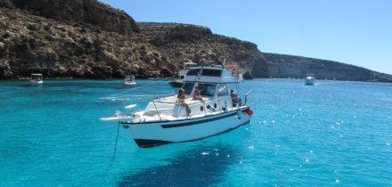 Private jet and helicopter hire in Lampedusa