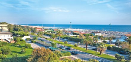 Private jet and helicopter rental in Forte dei Marmi